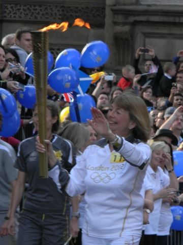Lesley_Forrest_with_the_Olympic_Torch
