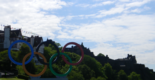 Olympics rings in front of Edinburgh Castle